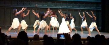 "The dance majors perform ""I'm Getting Ready,"" by Tasha Cobbs Leonard, choreographed by Mia Williams"
